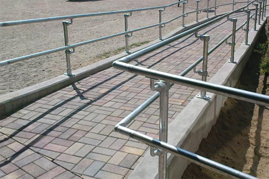 ADA handrail ramp