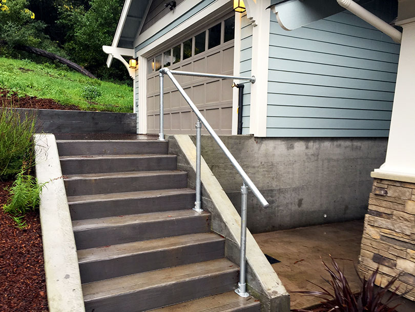 13 Outdoor Stair Railing Ideas (That You Can Build Yourself