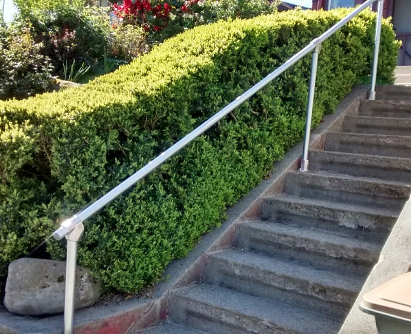 <center><span class='u-heading-4'>Like this railing style?</span><br><a class='link-as-button button-light-normal' href='/kits/stair-railing-kits/all-step-railing-kits/surface-29-surface-mount-railing'>Purchase the Surface 29 Railing</a></center>
