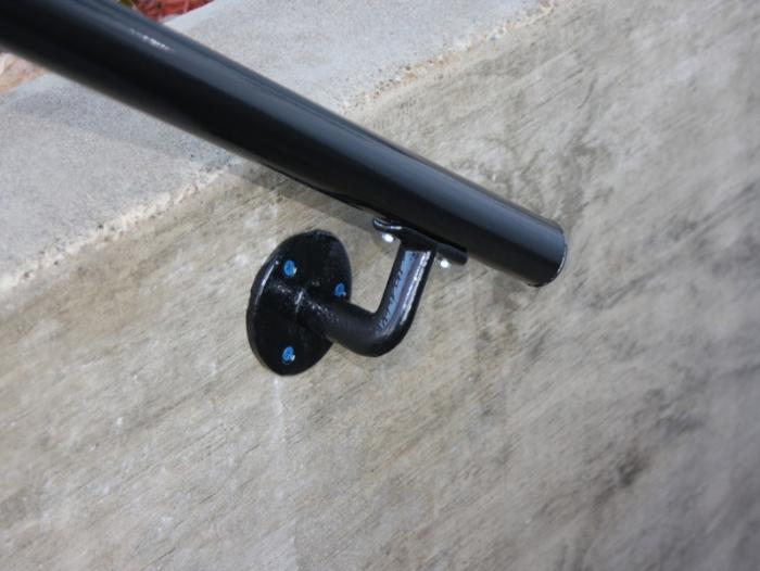 black handrail tube and fittings