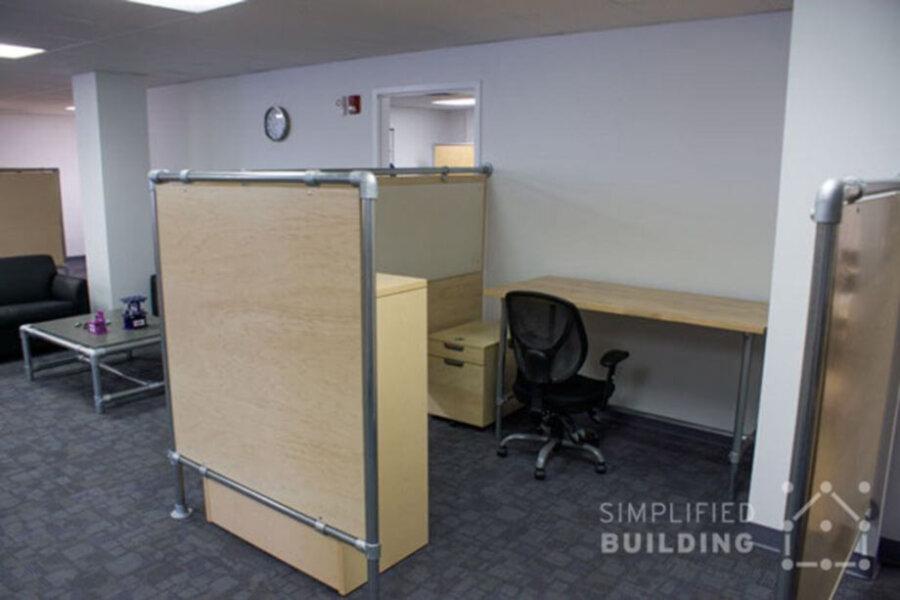 desk divider made of kee klamp